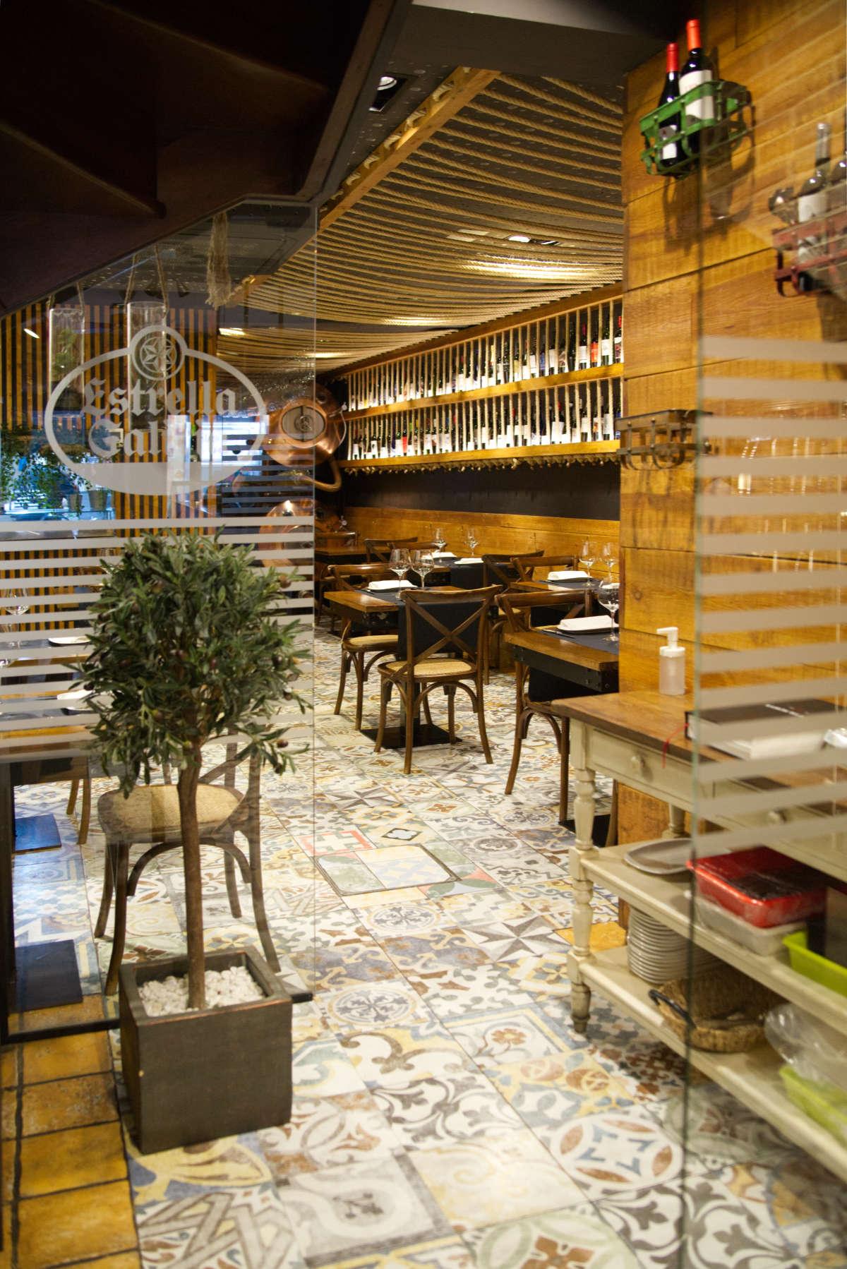 Entrada comedor Brasserie Turcanu